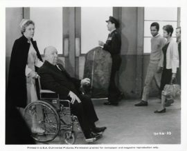 TOPAZ (1969) / HITCHCOCK CAMEO