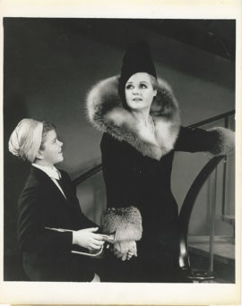 ANGELA LANSBURY IN MAME ON BROADWAY (1966)