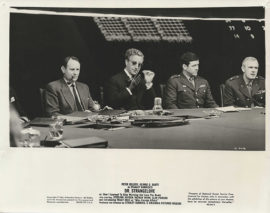 DR. STRANGELOVE WITH PETER SELLERS AND CAST IN WAR ROOM (1963)