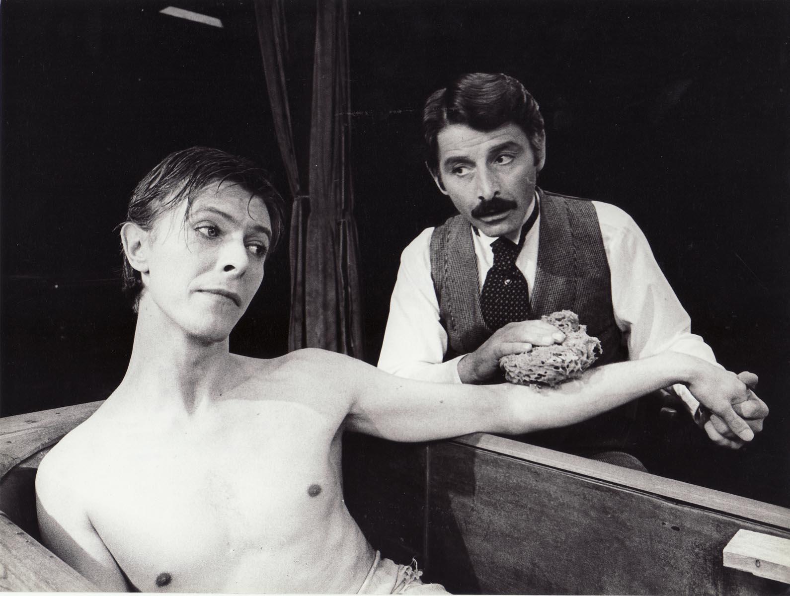 DAVID BOWIE ON STAGE / THE ELEPHANT MAN (1980) | WalterFilm
