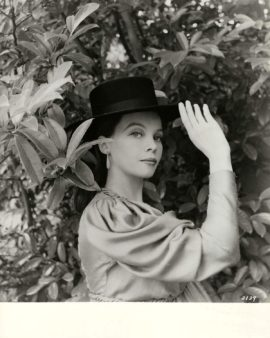 DOCTOR'S DILEMMA, THE (1958) / LESLIE CARON BY CECIL BEATON