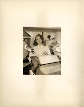 GILDA (1946) / RITA HAYWORTH BEHIND-THE-SCENES - 1
