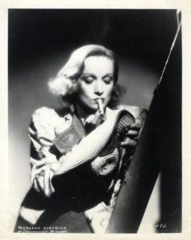 MARLENE DIETRICH (ca. 1937)