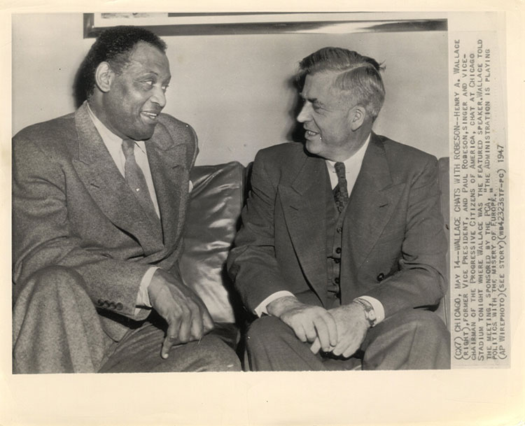 Paul Robeson discussing politics