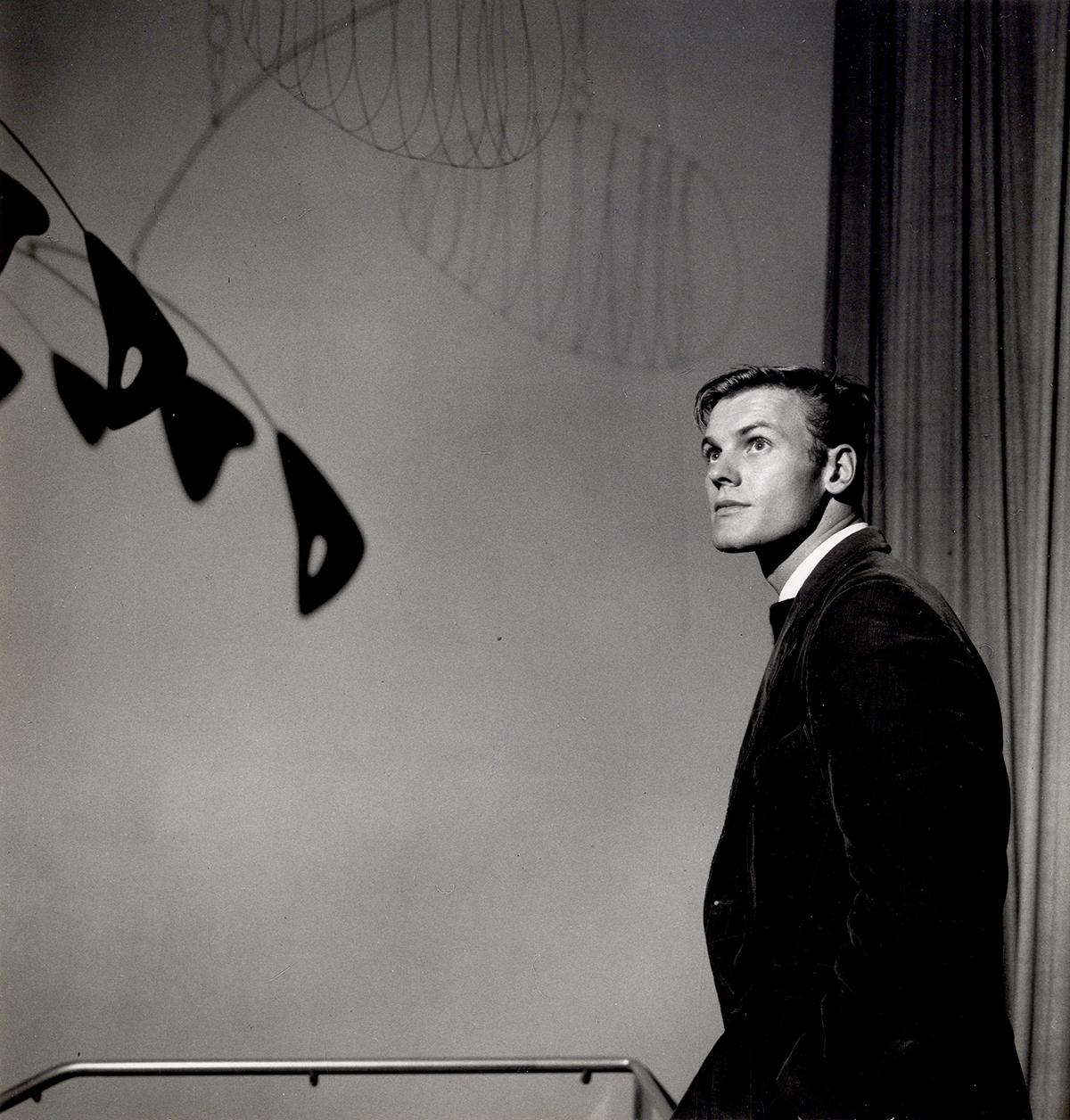 FIVE GAY ACTORS IN MID-CENTURY HOLLYWOOD WalterFilm.com - Tab Hunter Portrait