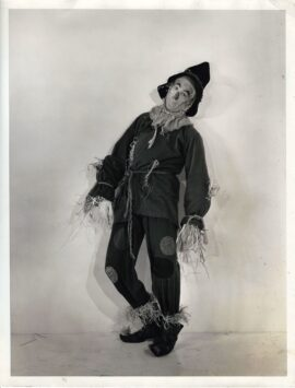 WIZARD OF OZ, THE (1939) Rare oversize exclusive of Ray Bolger as the Scarecrow