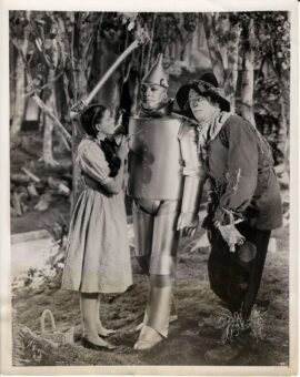 WIZARD OF OZ, THE (1939) Judy Garland and Ray Bolger meet Jack Haley
