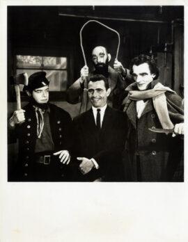 "TWILIGHT ZONE, THE / ""THE NEW EXHIBIT"" (1963) Photo ft. Rod Serling"